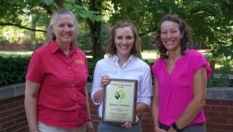 2019 Muenchrath Award winner Rebecca Vittetoe (center), Dr. Alison Roberts (right), Dr. Mary Wiedenhoeft (left)